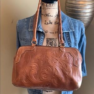 ✨👜✨ GUC Patricia Nash Med Tooled Leather Satchel